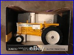 Ertl Minneapolis Moline G-750 Tractor 1/16 Scale