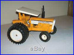 MINNEAPOLIS MOLINE WHITE OLIVER AGCO FARM TOY TRACTOR G-1355 WITH CANOPY ERTL