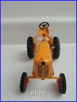 Minneapolis Moline Avery 1/16 Diecast Tractor TTT