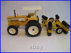 Minneapolis-Moline Farm Toy Tractor 1/16 G750 with MM Disc SHARP Set
