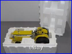 Minneapolis Moline G-1000 Vista Pulling Tractor 1/16 Hull White Oliver Toy Resin