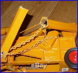 Minneapolis Moline Toy Tractor / Antique Thresher Machine / Teeswater Custom