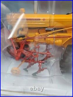 Minneapolis Moline U Tractor wth Cultivator 116 Scale SpecCast SCT 561 MIB