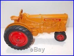 NICE 1950s SLIK TOYS FARM TRACTOR MINNEAPOLIS-MOLINE UB ROW CROP MM VINTAGE 1/16