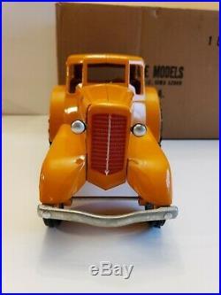 Scale Models 1/16 Minneapolis Moline UDLX Comfort Tractor Farm Toy FU-1303