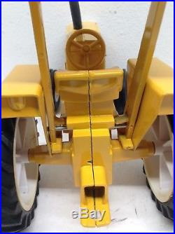 Vintage 1/16 Minneapolis Moline G1355 Tractor with ROPS Canopy & Duals ERTL Nice