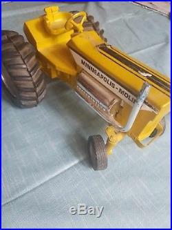 Vintage Minneapolis Moline Mighty Minnie Puller Tractor G-1000 ERTL Toy Diecast